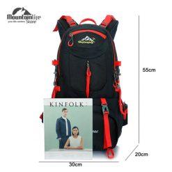 mochila-senderismo-50L-impermeable-ideal-actividades-al-aire-libre-camping